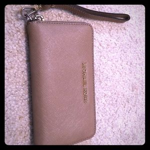 Michael Kors Flat Wallet for Phone Wristlet